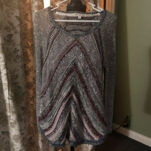 Jolt sweater